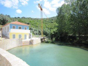 Trabalhos de construção de apoio às piscinas agroal